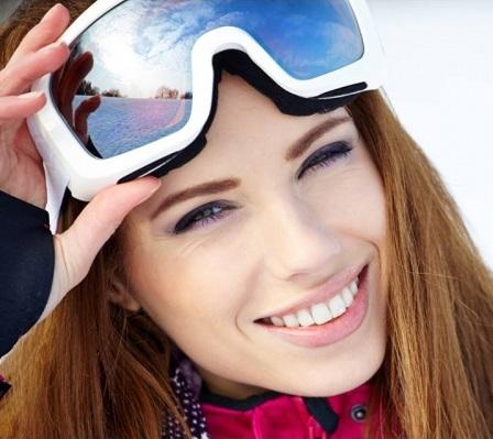Sole e neve: proteggere la pelle in montagna